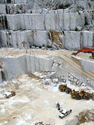 Khái thắc đá trắng CARRARA tại mỏ đá Ý