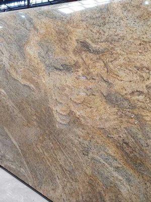 tấm đá vàng sa mạc
