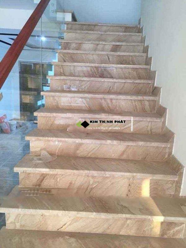 + Giá thi công cầu thang đá trắng Vân Gỗ Thủy Tinh trong khoảng 1.900.000 đ/m2 trở lên