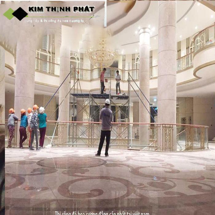 KIM THỊNH PHÁT đơn vị kinh nghiệm hơn 20 năm trong nghề đá, sở trường ốp cột đá màu trắng cho các biệt thự, khách sạn, nhà phố trên toàn quốc đảm bảo uy tín chất lượng cao