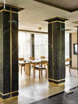 cột đá cẩm thạch đen vuông
