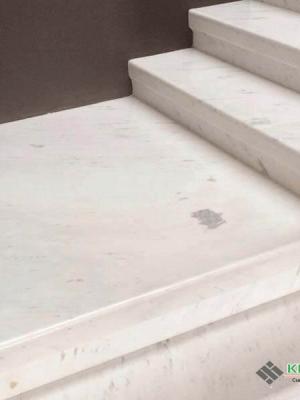 mẫu cầu thang đá trắng Polaris