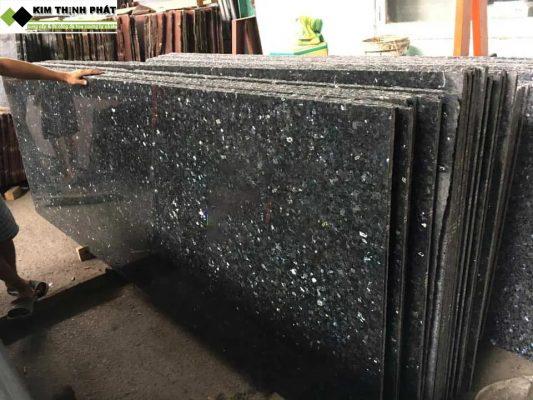 tấm đá granite xà cừ xanh đen