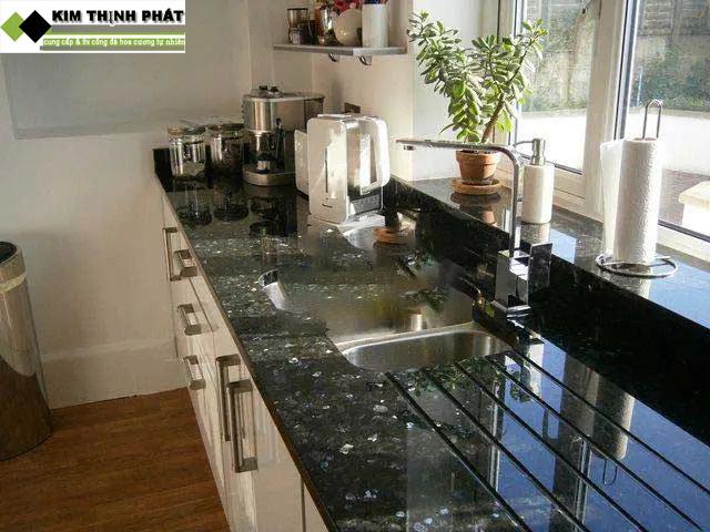 bàn bếp đá granite xà cừ xanh đen