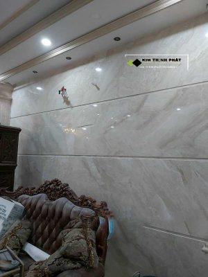 KIM THỊNH PHÁT chuyên cung cấp và lắp đặt công trình Đá Marble Kem Hoàng Gia Daina làm cầu thang, ốp bàn bếp, ốp cầu thang, ốp cột, lát nền nhà