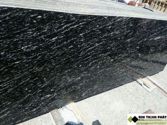 tấm đá hoa cương đen nhiệt đới