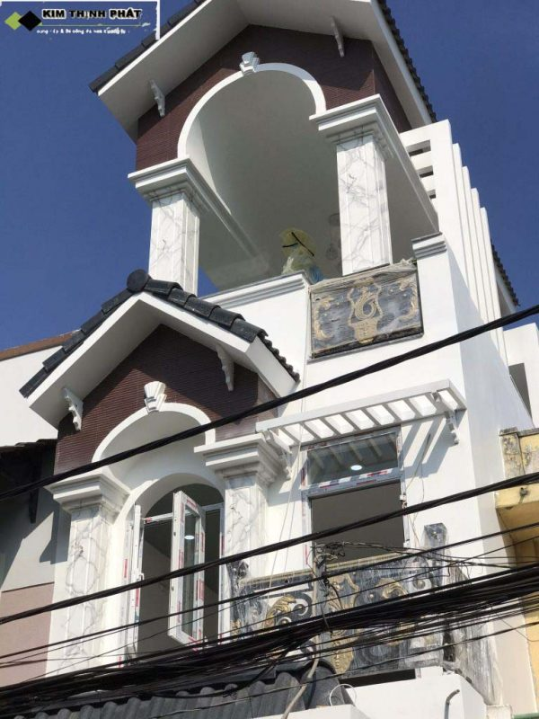 Quý khách có thể lựa chọn các mẫu cột vuông đá hoa cương màu trắng, vàng kem, xanh, đen, đỏ...tất cả đều mang vẻ đẹp tự nhiên sang trọng
