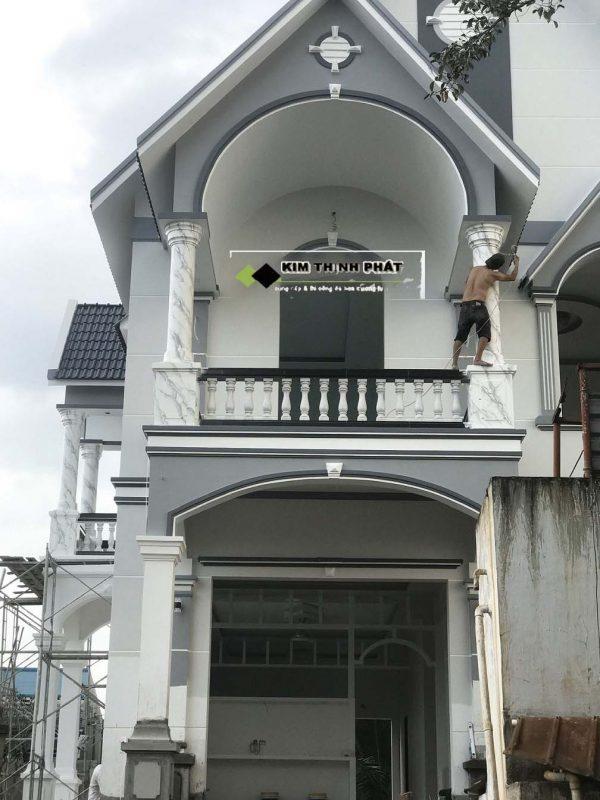 Công trình cột đá màu trắng mà chúng tôi đã lắp đặt thi công