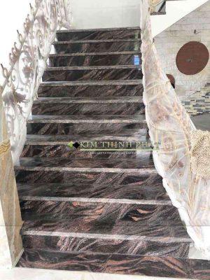 cầu thang đá hoa cương tím sa mạc